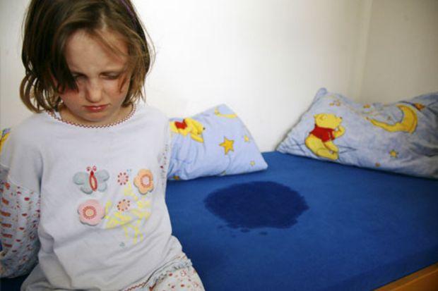 Çocukların geceleri altını ıslatmasının nedenleri!