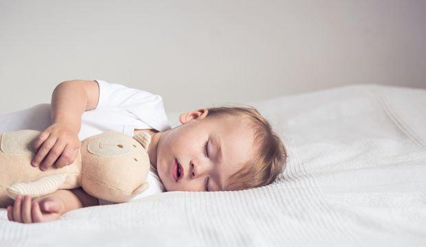 Bebeğinizin huzurlu uyuması için yapmanız gerekenler