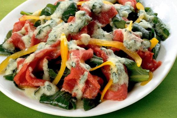 Salatalık soslu dana carpaccio