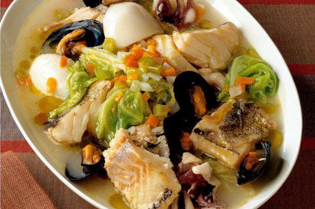 Lahanalı deniz ürünleri yahnisi