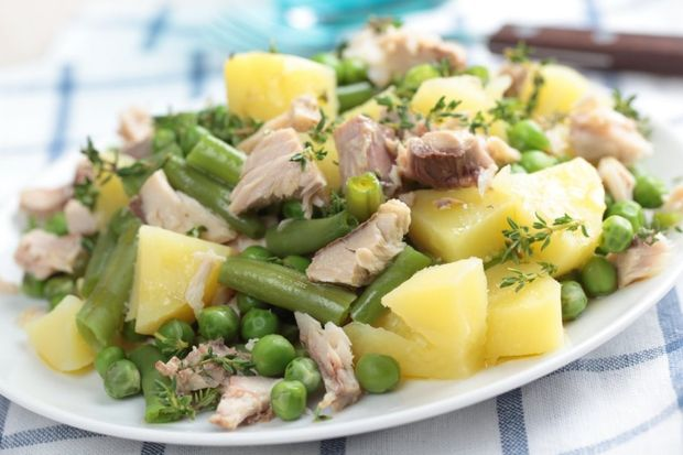 Ton balıklı ve patatesli salata