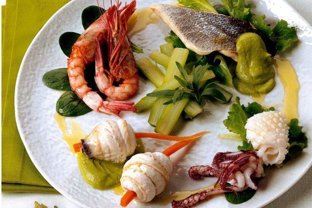 Balık tabağı ve tarhunlu mayonez