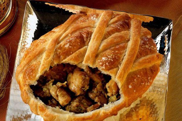 Karnabaharlı ve tavşan etli milföy pie