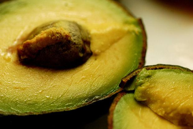 Sofranızda avokadolu tatlı için yer açın