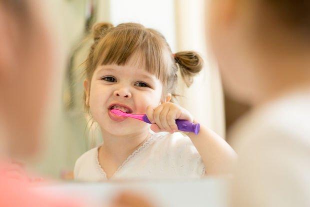 Çocuğunuzu ilk olarak ne zaman diş doktoruna götürmeniz gerekir?