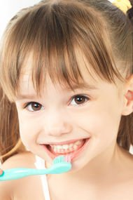 Çocuğunuzun diş fırçalama ile arası nasıl?