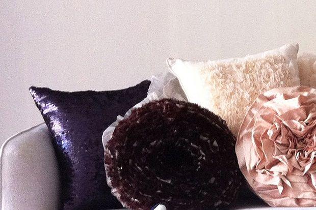 Doğal dokulu yastıklar Telamor'da