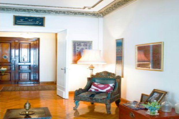 Osmanlı mimarisi ile döşenmiş köklü ve asil bir ev...