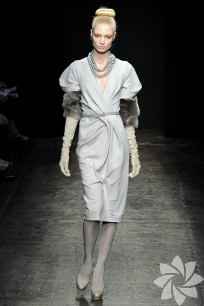 <p>Donna Karan 2011 Sonbahar / Kış Koleksiyonu</p>