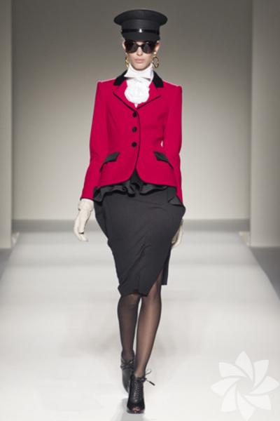 Moschino 2011 Sonbahar / Kış Koleksiyonu