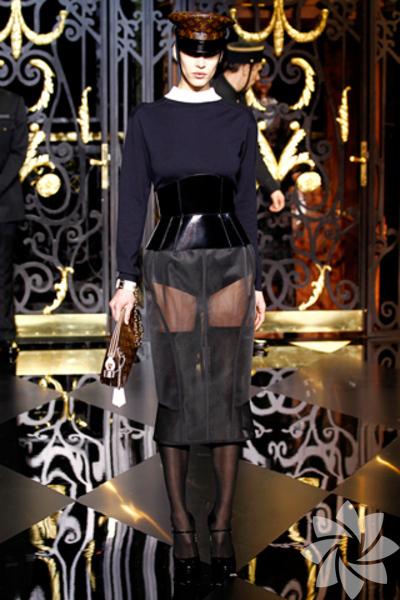 <p>Louis Vuitton 2011 Sonbahar / Kış Koleksiyonu</p>