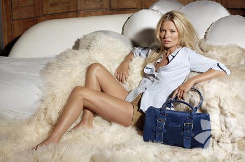 <p>Kate Moss Longchamp çanta modelleri</p>