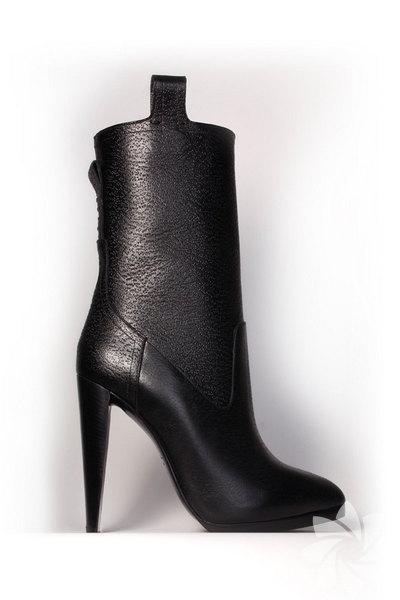 <p>3.1 Philip Lim 2011 Sonbahar / Kış Ayakkabı Koleksiyonu</p>