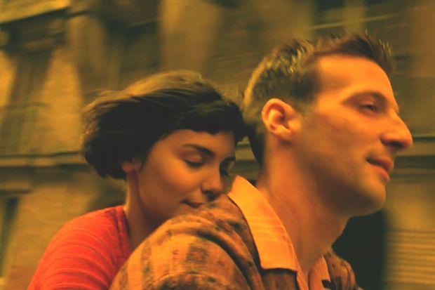Gelmiş geçmiş en iyi 10 romantik komedi filmini sevgilinizle izlemeye ne dersiniz?