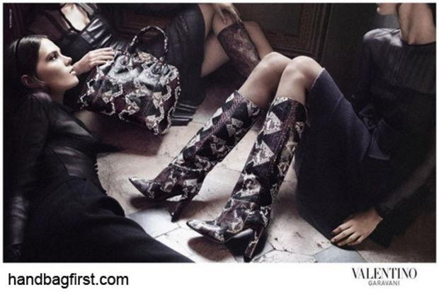 Valentino'dan gösterişli ama şık feminen etkisi