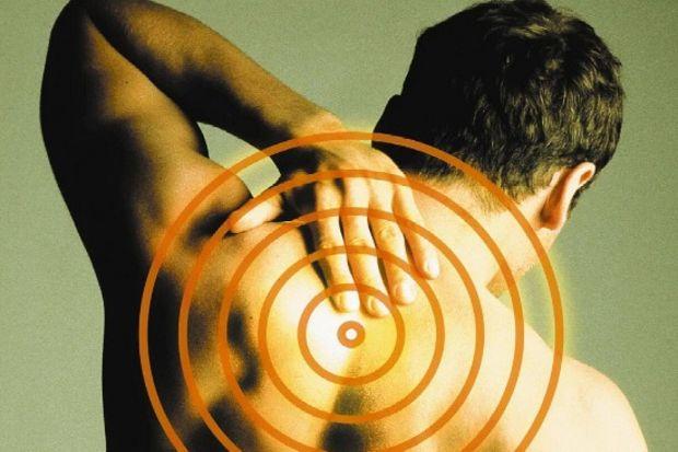 Boyun fıtığı ameliyatında protez kullanımı, yeni fıtık riskini azaltıyor