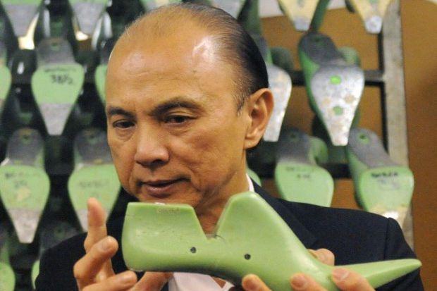 Jimmy Choo; O, hepimizin en büyük tutkusunu yaşatanlardan biri...