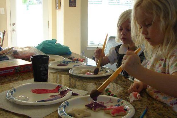 Hangi türünde olursa olsun sanatla uğraşmak duyuları geliştirir. Çocuğunuzu sanatla eğitin!