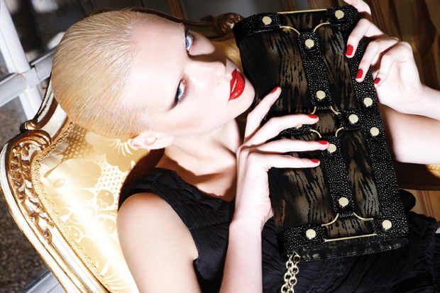 Etkileyici, iddialı, tarz sahibi moda tutkunlarının yeni alışveriş adresi...