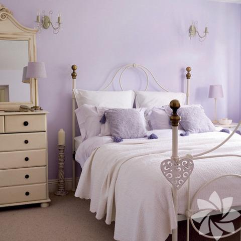 Yatak odasında kullanılan renkler önemli.