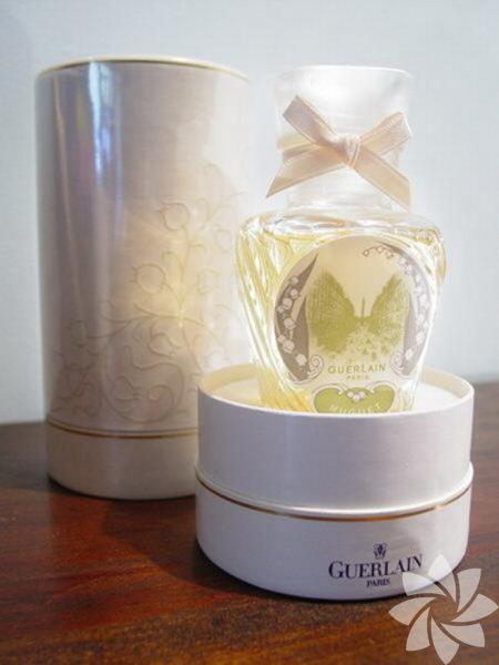 <p>Guerlain Muguet bayan parfümü çiçeksi kokulara sahip.</p>