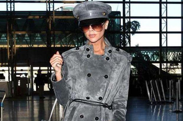 Hollywood yıldızlarının kış modasını baştan yaratan paltoları