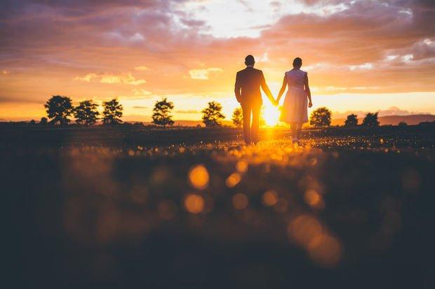 Evliliğinizin mutlu devam etmesini istiyorsanız bu 10 kurala uymalısınız!
