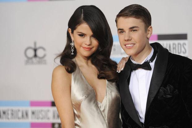 Amerikan Müzik Ödülleri muhteşem performansların sergilendiği ödül töreni ile sahiplerini buldu