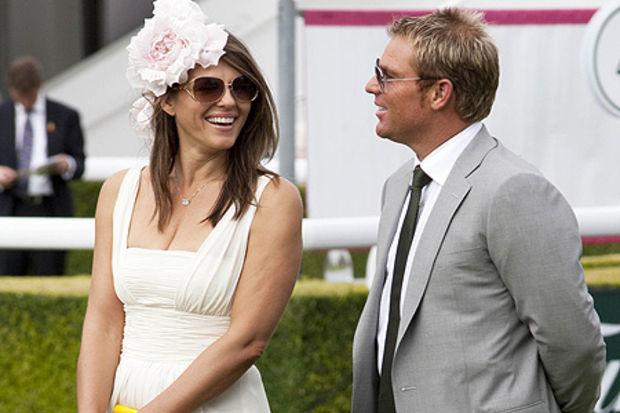 Shane Warne ve Elizabeth Hurley'e ufukta evlilik göründü