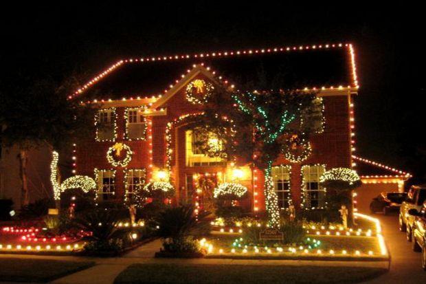 Yeni yıla ışıkların süslediği ışıl ışıl bir evde girin!