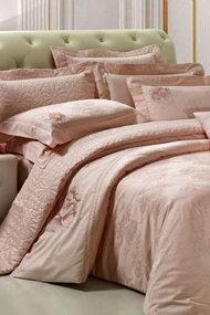 Yatak odalarınızı hareketlendirecek yatak örtüleri