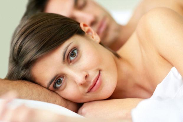 Yatağın soluna yat, pozitif kalk