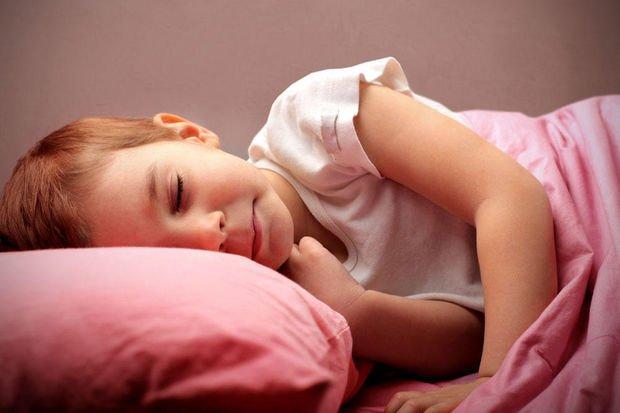 Ebeveynlerin bilmesi gereken 10 faydalı 'yatak ıslatma' gerçeği