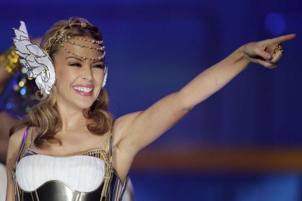 Kylie Minogue çeyrek asrı Madonna'yla kutlayacak!