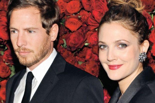 Drew Barrymore nişanlandı