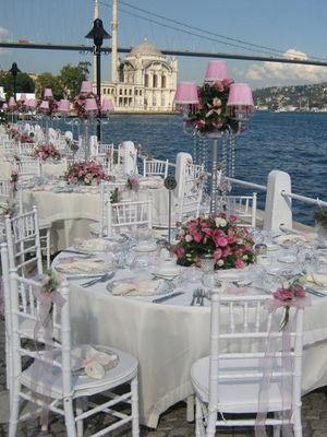 Düğün masası nasıl süslenmeli?