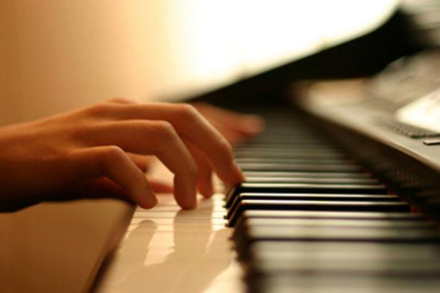 Bach dinlemek acıları dindiriyor