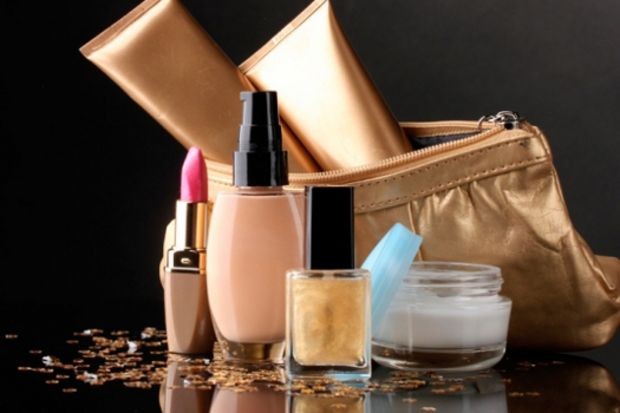 Her kadının makyaj çantasında olması gereken 5 ürün!