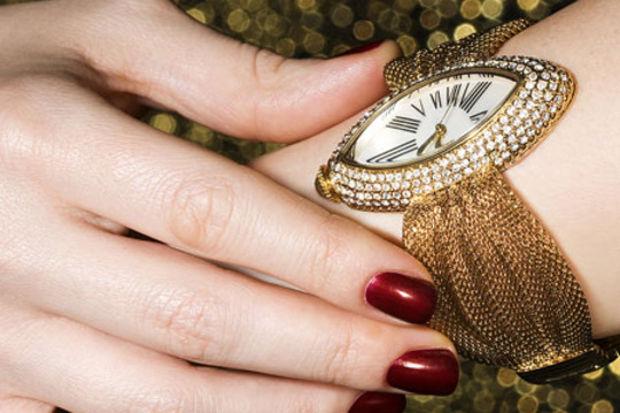 Saat ve takılarda renk cümbüşü!