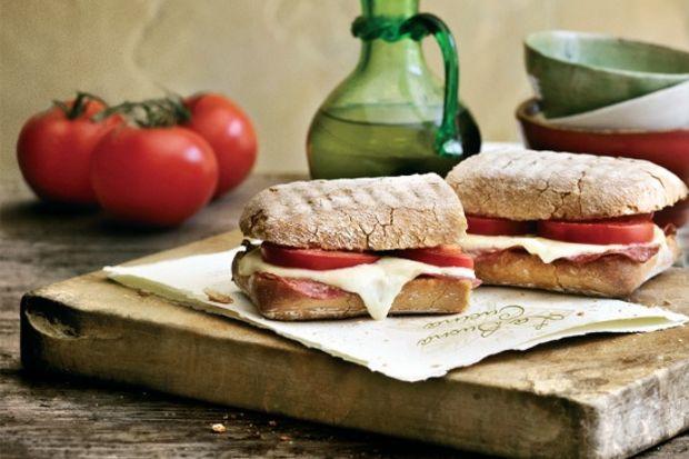 Akdeniz lezzetleriyle güne enerjik başlayın!