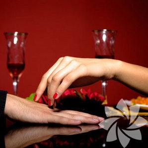 14 Şubat'ta sevgilinizle birlikte romantik bir akşam yemeği yemek sizin elinizde