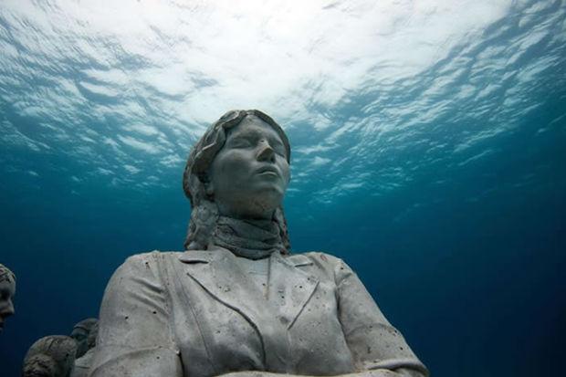 Dev denizaltı müzesine hoşgeldiniz!