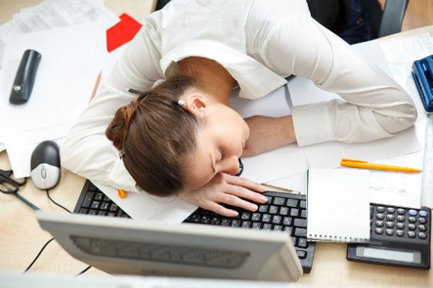 Çok çalışmanın sağlığınız açısından 7 zararı!