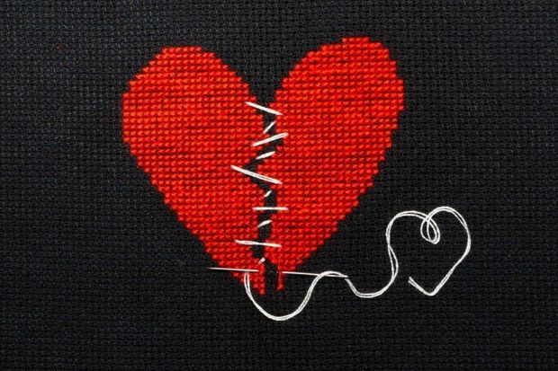 """Dikkat! """"Kırık Kalp Sendromu"""" kalp krizine sebep olabilir..."""