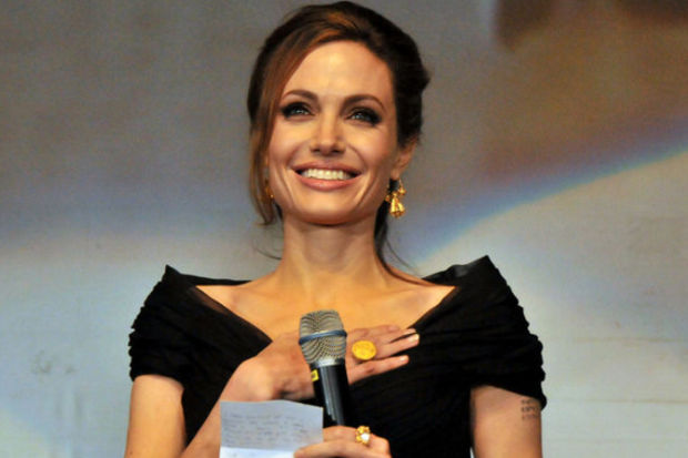 Angelina Jolie galada Boşnakça konuştu