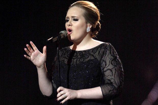 Grammy ödüllü şarkıcının babasından şok açıklamalar!