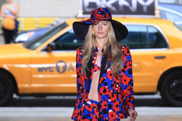 DKNY 2012 İlkbahar / Yaz Koleksiyonu