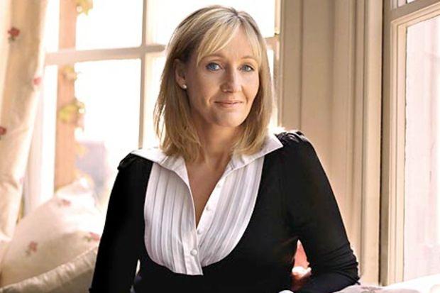 Harry Potter'ın yazarı J.K. Rowling yetişkinler için roman yazacak!