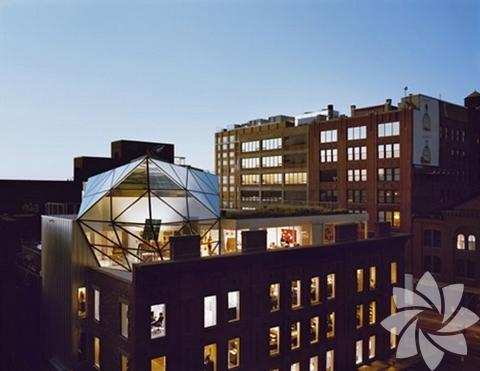 <p>Diane Von Furstenberg ve New York'taki sıradışı evi görenleri hayran bırakıyor.</p>