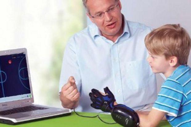 Felçlilere bilgisayar oyunuyla fizik tedavi